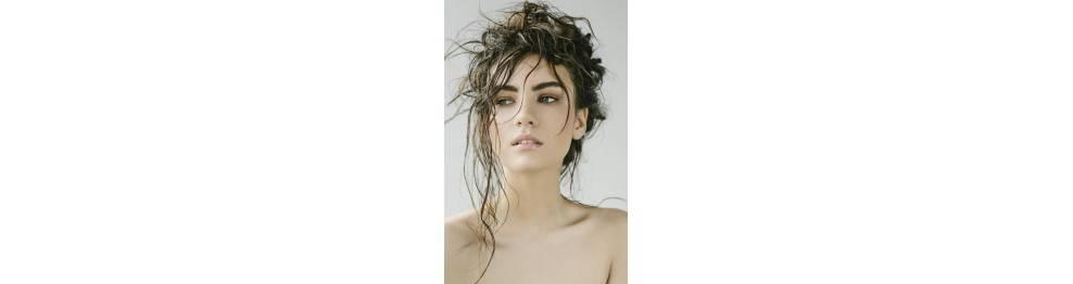 Lavage et soin cheveux gras